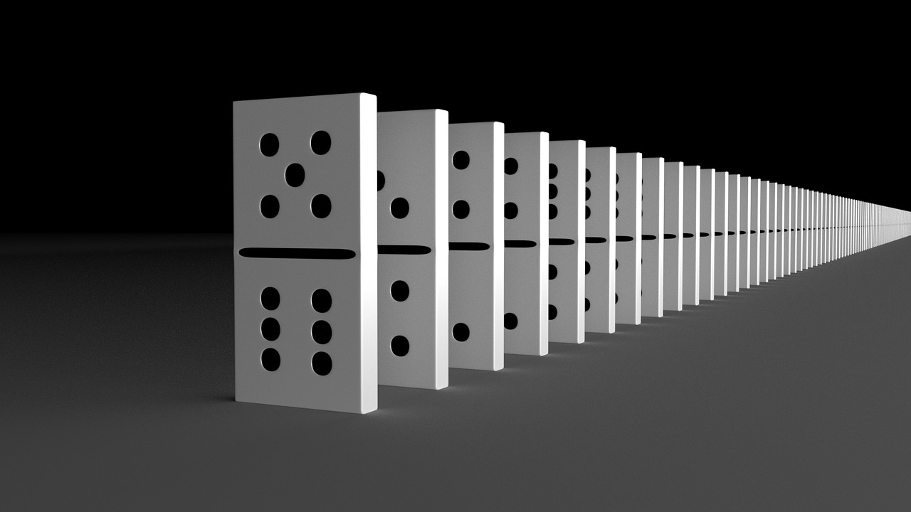 drawing of dominoes